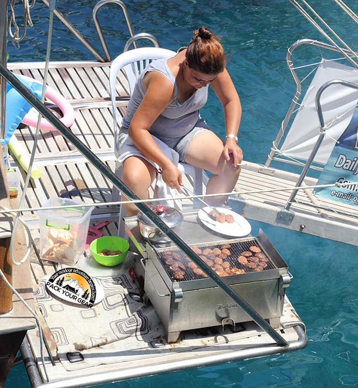 Barbecuing in the boat